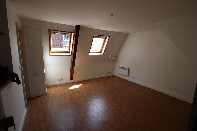 Joli studio 19m² Place Broglie