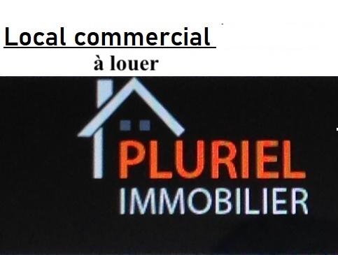 Local commercial de 80 m2, vitrine et parkings