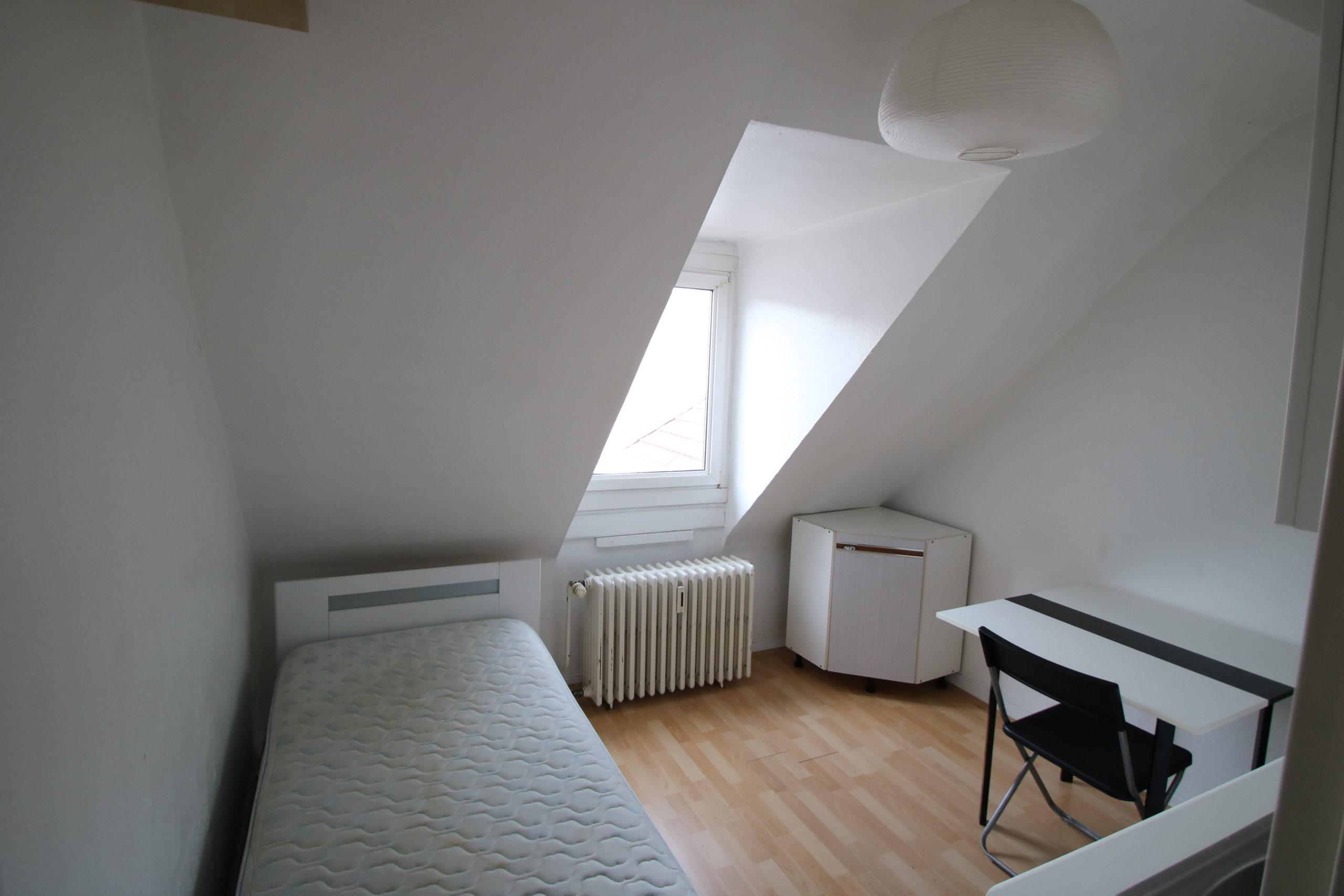 Joli studio meublé 10.75m² Place de la République